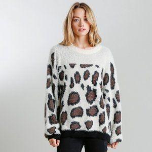 Umgee Animal Print Round Neck Pullover Sweater M